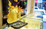 Đồng USD tăng mạnh khiến vàng 'lao dốc'