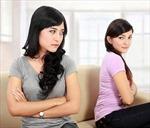 Khi chị chồng muốn thay bạn… 'làm vợ'