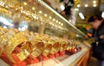 Vàng châu Á vững giá trước lo ngại về căng thẳng thương mại Mỹ - Trung