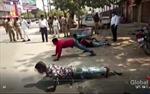 Cảnh sát Ấn Độ 'sáng tạo' đủ kiểu phạt người vi phạm phong tỏa