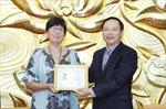 Trao Kỷ niệm chương 'Vì hòa bình, hữu nghị giữa các dân tộc' tặng Đại sứ Vương quốc Bỉ