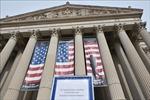 Chính phủ Mỹ thoát cảnh đóng cửa nhờ gói chi tiêu khổng lồ 855 tỷ USD