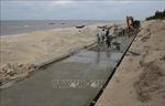 Thừa Thiên - Huế khắc phục các điểm sạt lở bờ biển