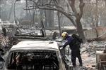 Mưa lớn giúp dập tắt đám cháy rừng bang California, nhưng lại đối mặt nguy cơ mưa to, đất lở