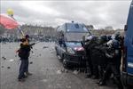 Pháp cấm biểu tình 'Áo vàng' tại Đại lộ Champs-Elysees