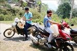 Người dân nhiều xã vùng biên ở Lai Châu đi hàng chục cây số để lấy nước sinh hoạt