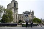 Dựng tạm một gian thánh đường ở sân trước Nhà thờ Đức Bà Paris vừa bị cháy