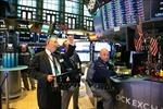 Chứng khoán Mỹ biến động trái chiều sau thông báo hạ lãi suất của Fed