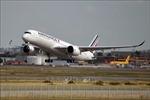 Máy bay chở trên 300 khách hạ cánh khẩn cấp tại Nhật Bản