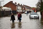 Thủ tướng Anh triển khai quân đội khắc phục hậu quả lũ lụt