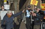 Một cựu thành viên chính quyền Catalonia bị bắt tại Anh