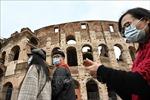 Italy đóng cửa các quán bar, trường học và công sở của một thị trấn