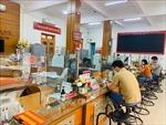 Dịch COVID-19: Ngân hàng cùng doanh nghiệp vượt khó