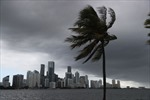 Bão hiếm gặp tàn phá khu vực Trung Tây của Mỹ