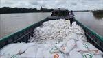 Bắt quả tang vụ vận chuyển trái phép 100 tấn đường cát qua biên giới