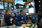 Thị trường chứng khoán toàn cầu đi xuống do COVID-19 lan rộng