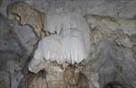 Khám phá vẻ đẹp hang động Hắt Chuông - Mường Chà