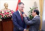 Trao Huân chương hữu nghị tặng Đại sứHoa Kỳ tại Việt Nam