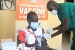 'Cuộc chạy tiếp sức' để tiếp cận vaccine