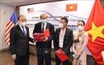 Chủ tịch nước Nguyễn Xuân Phúc chứng kiến Lễ trao thỏa thuận hợp tác