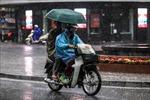 Trung Bộ mưa lớn dồn dập kéo dài, Bắc Bộ đónđợt rét đầu tiên trong mùa đông