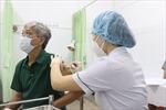 Người trên 65 tuổi, bệnh lý nền không bắt buộc phải tiêm vaccine COVID-19 tại các bệnh viện