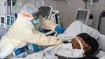 Số bệnh nhân COVID-19 nằm viện ở Mỹ tăng lên mức kỉ lục 100.000 người