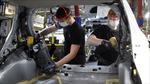 Ngành chế tạo ô tô toàn cầu tiếp tục đối mặt với triển vọng u ám