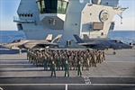 Tàu sân bay mới nhất của Anh lần đầu tiên chạm trán tàu chiến Nga