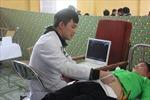 Bác sĩ 9X cắm bản hết lòng với bệnh nhân
