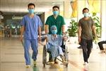 Việt Nam điều trị khỏi 85% ca mắc COVID-19; Đưa hàng trăm công dân Việt Nam về nước