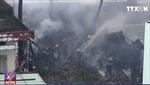 Cháy lớn thiêu rụi 6 ngôi nhà tại thành phố Hồ Chí Minh