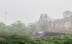 Sáng nay, Hà Nội chìm trong sương mù, mưa bụi