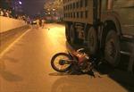 Xe tải chở vật liệu đâm xe máy trong hầm Kim Liên khiến một người đàn ông tử vong