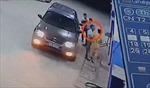 Lái xe ô tô say xỉn tát cảnh sát giao thông