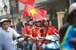 Cổ động viên 'tiếp lửa' cho đội tuyển trước trận đấu giữa Việt Nam - UAE