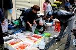 Nhộn nhịp thị trường cá chép đỏ Tết ông Công, ông Táo