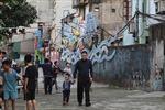 Biến rác thải thành không gian nghệ thuật ven sông Hồng