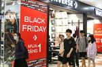 Mải sắm đồ Black Friday, nhiều người chủ quan không đeo khẩu trang