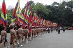 Du khách hành hương quá đông, khó khăn di chuyển trong Khu di tích Hùng Vương