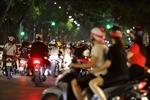 Quanh hồ Hoàn Kiếm đông nghẹt người đi chơi Trung thu, cảnh báo nguy cơ bùng dịch