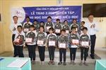 EVNSPC tặng quà cho học sinh nghèo, vượt khó