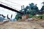 Cầu treo rào B40, học sinh lòng vòng 10 km đến trường