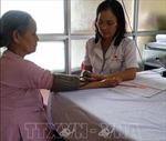 Nữ y sỹ đa năng ở vùng lũ Chương Mỹ, Hà Nội