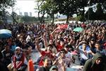 AFF Suzuki Cup: Ngất xỉu vì chen lấn mua vé chung kết lượt đi Việt Nam - Malaysia