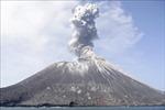Núi lửa phun trào tại Tây Nam Nhật Bản
