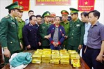 Thưởng nóng 300 triệu đồng cho lực lượng phá 2 đường dây ma túy xuyên quốc gia
