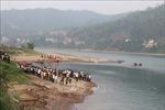 Thăm hỏi gia đình 8 học sinh tử vong do đuối nướctrên sông Đà