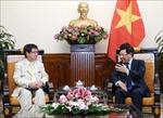Phó Thủ tướng Phạm Bình Minh tiếp Trợ lý Chánh Văn phòng Nội các Nhật Bản