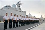 Tàu hộ vệ tên lửa Quang Trung cập cảng Vladivostok